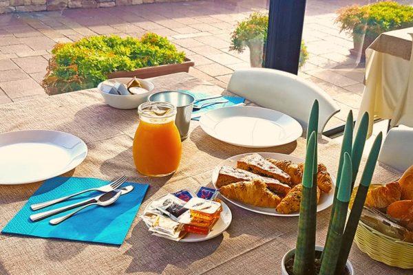 colazione-terrazza