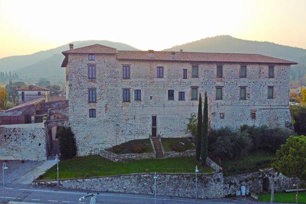 castello-lato